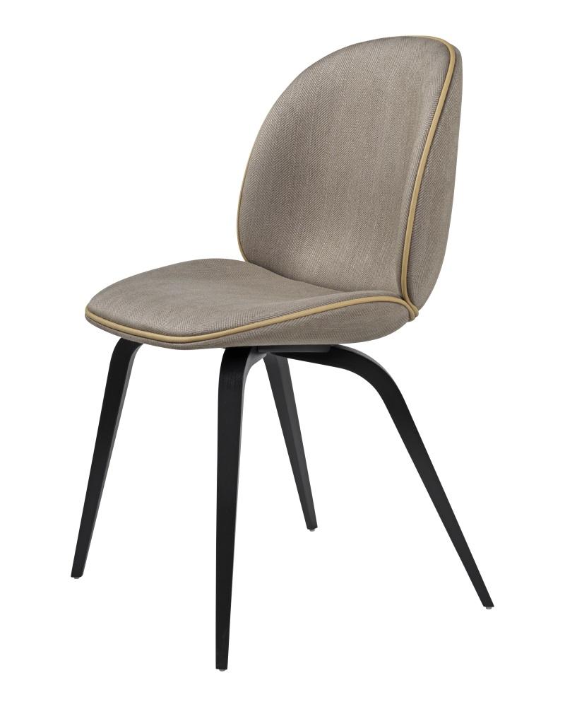 GUBI BEETLE tuoli, ympäriverhoiltu, ruskeapyökkijalka